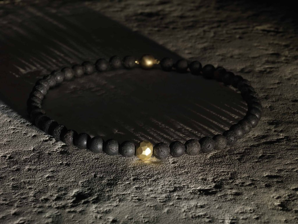 © Valérie Sloan, bracelet volcan