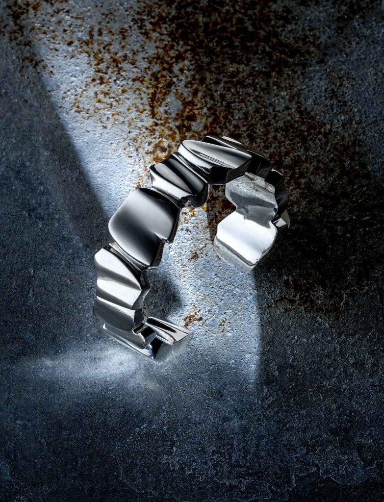 © Valérie Sloan, bracelet galets